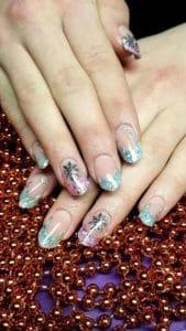 Modellarbeit Acryl - Edge Nails mit French in Blau und Rosa & Winter Nailart