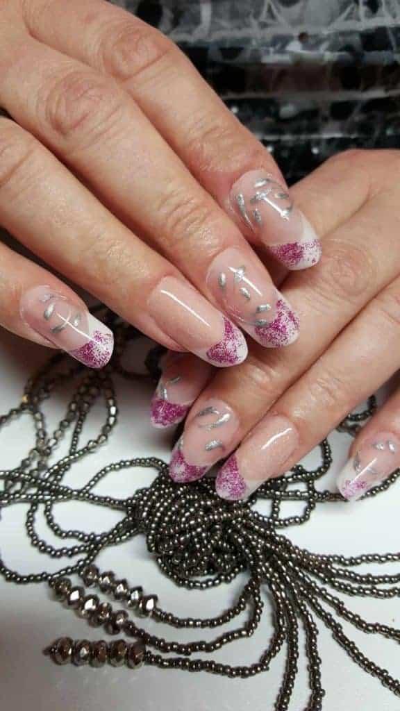 Modellarbeit Acryl - Edge Nails mit French White & Glitzer