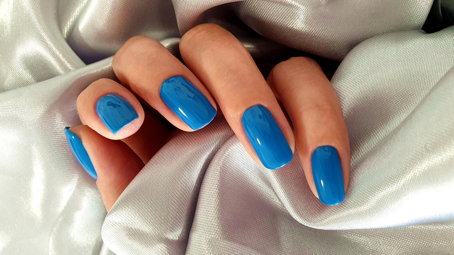 Shellac Maniküre Blau